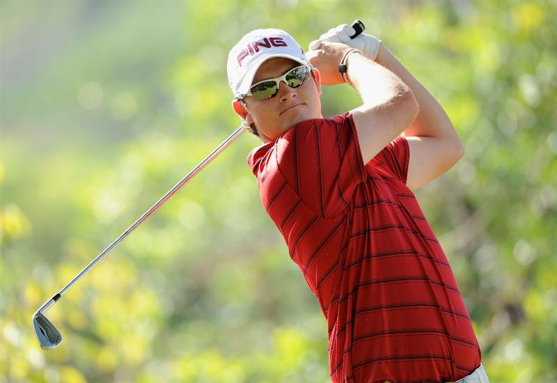 CASTELLON DE LA PLANA, SPAIN - OCTOBER 23:  Gary Boyd of England plays his tee shot on the first hole during the third round of the Castello Masters Costa Azahar at the Club de Campo del Mediterraneo on October 23, 2010 in Castellon de la Plana, Spain.  (Photo by Stuart Franklin/Getty Images)