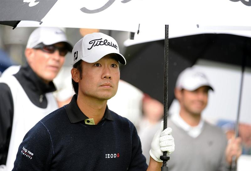 PACIFIC PALISADES, CA - FEBRUARY 19:  Kevin Na leaves the 14th tee during the third round of the Northern Trust Open at the Riviera Contry Club on February 19, 2011 in Pacific Palisades, California.  (Photo by Harry How/Getty Images)