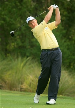 PONTE VEDRA BEACH, FL - MAY 09:  Ernie Els of South Africa hits a shot on the 11th hole during the second round of THE PLAYERS Championship on THE PLAYERS Stadium Course at TPC Sawgrass on May 9, 2008 in Ponte Vedra Beach, Florida.  (Photo by Scott Halleran/Getty Images)
