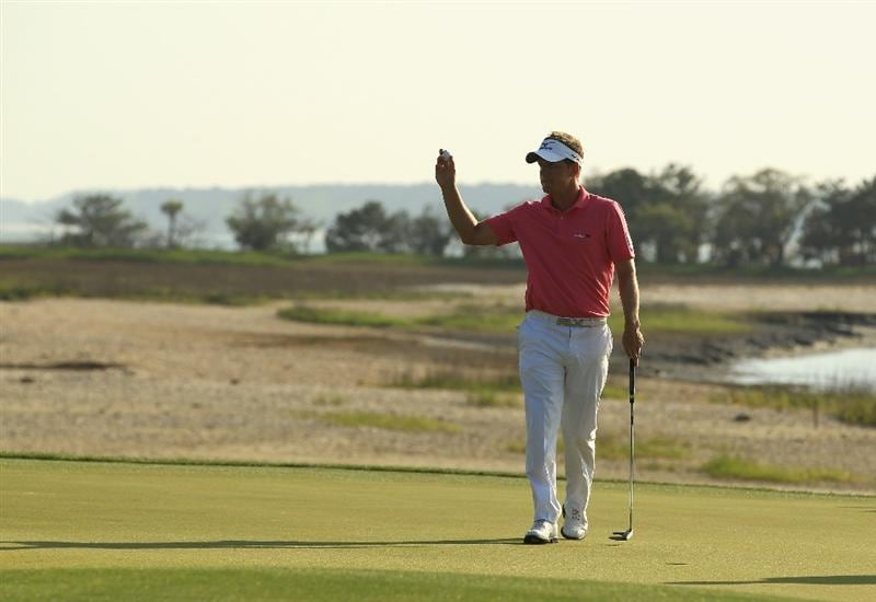 HILTON HEAD ISLAND, SC - APRIL 23:  Luke Donald of England acknowledges the crowd on the 18th green during the third round of The Heritage at Harbour Town Golf Links on April 23, 2011 in Hilton Head Island, South Carolina.  (Photo by Streeter Lecka/Getty Images)