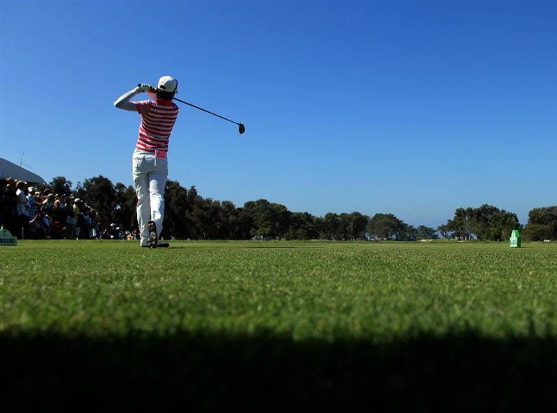 LA JOLLA, CA - SEPTEMBER 20:  Na Yeon Choi of South Korea tees off the 1st hole during the final round of the LPGA Samsung World Championship on September 20, 2009 at Torrey Pines Golf Course in La Jolla, California.  (Photo By Donald Miralle/Getty Images)
