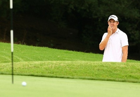 SYDNEY, AUSTRALIA - FEBRUARY 05:  Steven Jones of Australia reacts after he chips onto the sixth green during the British Open qualifying held at the Lakes golf course on February 5, 2008 in Sydney, Australia.  (Photo by Mark Nolan/Getty Images)