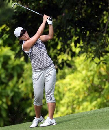 SINGAPORE - MARCH 06:  Se Ri Pak of South Korea plays her third shot on the par five 5th hole during the second round of HSBC Women's Champions at the Tanah Merah Country Club on March 6, 2009 in Singapore.  (Photo by Ross Kinnaird/Getty Images)