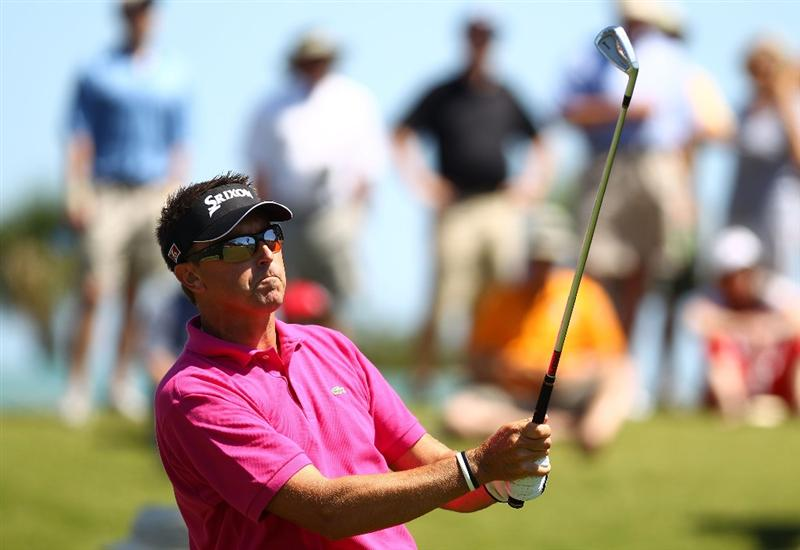 PONTE VEDRA BEACH, FL - MAY 09:  Robert Allenby of Australia plays his tee shot on the third hole during the final round of THE PLAYERS Championship held at THE PLAYERS Stadium course at TPC Sawgrass on May 9, 2010 in Ponte Vedra Beach, Florida.  (Photo by Richard Heathcote/Getty Images)
