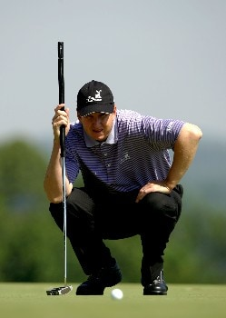 OAKMONT, PA - JUNE 15:  J.J. Henry lines up a putt during the second round of the 107th U.S. Open Championship at Oakmont Country Club on June 15, 2007 in Oakmont, Pennsylvania.  (Photo by Harry How/Getty Images)