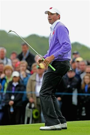 NEWPORT, WALES - OCTOBER 02:  Matt Kuchar of the USA reacts to a putt during the rescheduled Afternoon Foursome Matches during the 2010 Ryder Cup at the Celtic Manor Resort on October 2, 2010 in Newport, Wales. (Photo by Andy Lyons/Getty Images)