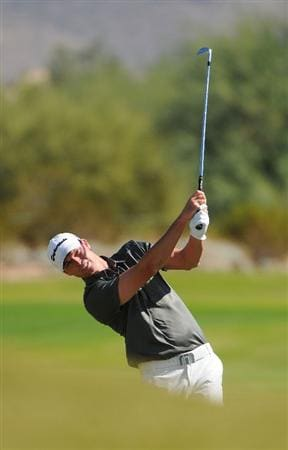 SCOTTSDALE AZ - OCTOBER 25: John Mallinger hits his approach shot to the 3rd hole during the third round of  the Fry's.Com Open held at Grayhawk Golf Club on October 25, 2008 in Scottsdale, Arizona. (Photo by Marc Feldman/Getty Images)