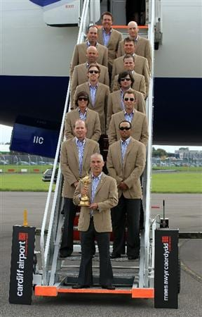 CARDIFF, WALES - SEPTEMBER 27:  In this handout image provided by Ryder Cup Europe, USA team captain Corey Pavin arrives with the USA team at Cardiff Airport prior to the start of the 2010 Ryder Cup on September 27, 2010 in Cardiff, Wales.  (Photo by Ryder Cup Europe via Getty Images)