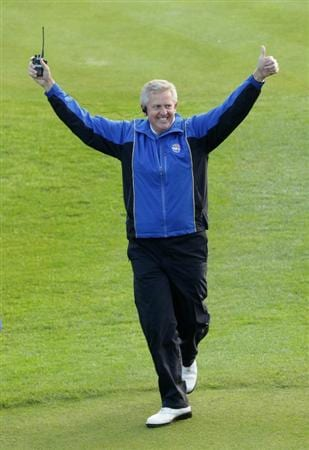 NEWPORT, WALES - OCTOBER 04:  The European Team Captain Colin Montgomerie waves to the gallery on the first tee in the singles matches during the 2010 Ryder Cup at the Celtic Manor Resort on October 4, 2010 in Newport, Wales.  (Photo by Andrew Redington/Getty Images)