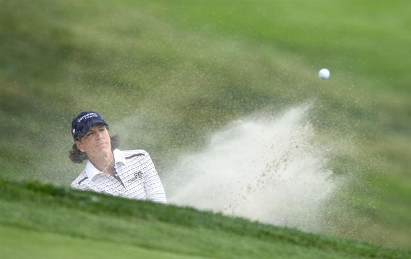 LA JOLLA, CA - SEPTEMBER 17:  Julie Inkster hits out of the 1st green bunker during the first round of the LPGA Samsung World Championship on September 17, 2009 at Torrey Pines Golf Course in La Jolla, California.  (Photo By Donald Miralle/Getty Images)