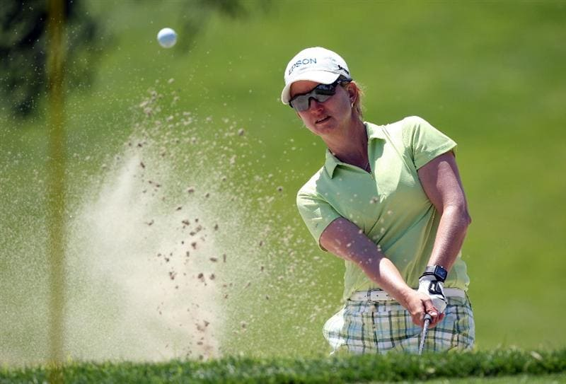 RANCHO MIRAGE, CA - APRIL 03: Karrie Webb of Australia plays her second shot at the 8th hole during the second round of the 2009 Kraft Nabisco Championship, at the Mission Hills Country Club on April 3, 2009 in Rancho Mirage, California  (Photo by David Cannon/Getty Images)
