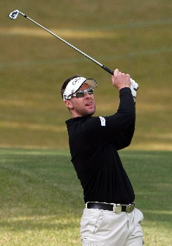 GOTENBA, JAPAN - NOVEMBER 09:  Brendan Jones of Australia makes an approach shot on the first hole during the second round of the Sumitomo Visa Taiheiyo Masters at Taiheiyo Club on November 9, 2007 in Gotenba, Shizuoka Prefecture, Japan.  (Photo by Koichi Kamoshida/Getty Images)