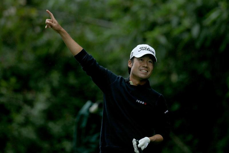 PACIFIC PALISADES, CA - FEBRUARY 19:  Kevin Na points after hitting an errant tee shot on the 12th hole during round three of the Northern Trust Open at Riviera Country Club on February 19, 2011 in Pacific Palisades, California.  (Photo by Stephen Dunn/Getty Images)