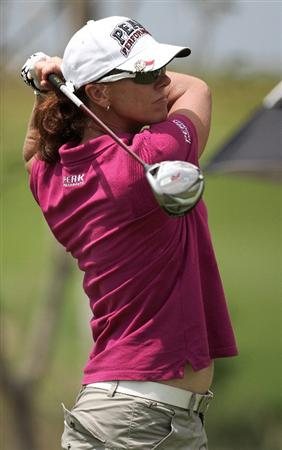 BANGKOK, THAILAND - FEBRUARY 27:  Helen Alfredsson of Sweden plays her 1st shot on the 1st hole during day two of the Honda LPGA Thailand 2009 at Siam Country Club Plantation on February 27, 2009 in Pattaya, Chonburi, Thailand.  (Photo by Chumsak Kanoknan/Getty Images)