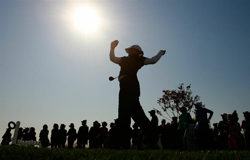 INCHEON, SOUTH KOREA - OCTOBER 29:  Katherine Hull of Australia hits a tee shot on the 16th hole during the 2010 LPGA Hana Bank Championship at Sky 72 golf club on October 29, 2010 in Incheon, South Korea.  (Photo by Chung Sung-Jun/Getty Images)