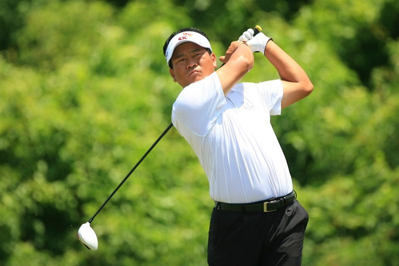 NEW ORLEANS, LA - MAY 1: K.J. Choi of South Korea hits his tee shot on the second hole during the final round of the Zurich Classic at the TPC Louisiana on May 1, 2011 in New Orleans, Louisiana. (Photo by Hunter Martin/Getty Images)