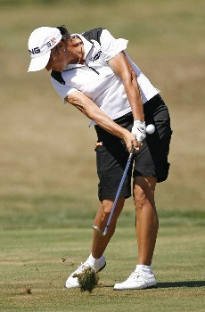 SPRINGFIELD, IL - AUGUST 31: Sherri Steinhauer hits her approach shot on the 15th hole during the second round of the State Farm Classic at Panther Creek Country Club August 31, 2007 in Springfield, Illinois. (Photo by Hunter Martin/Getty Images)
