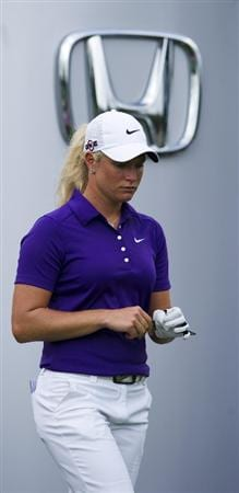 CHON BURI, THAILAND - FEBRUARY 21:  Suzann Pettersen of Norway looks down on the 12th tee during the final round of the Honda PTT LPGA Thailand at Siam Country Club on February 21, 2010 in Chon Buri, Thailand.  (Photo by Victor Fraile/Getty Images)