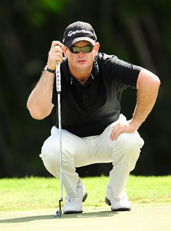 HONOLULU - JANUARY 17:  Rory Sabbatini of South Africa looks over a puttt on the 1st hole during the final round of the Sony Open at Waialae Country Club on January 17, 2010 in Honolulu, Hawaii.  (Photo by Sam Greenwood/Getty Images)