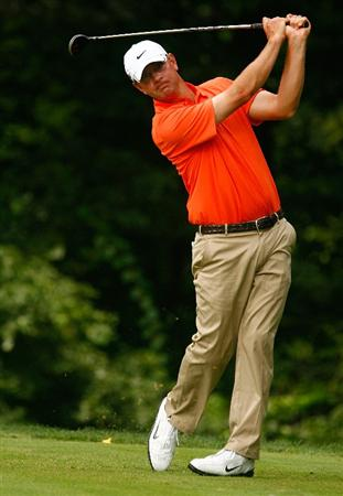 BETHESDA, MD - JULY 04:  Lucas Glover hits his tee shot on the 14th hole during the third round of the AT&T National at the Congressional Country Club on July 4, 2009 in Bethesda, Maryland.  (Photo by Scott Halleran/Getty Images)