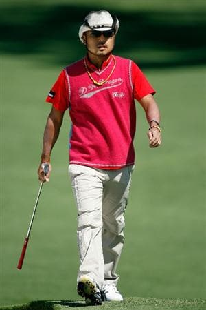 AUGUSTA, GA - APRIL 08:  Shingo Katayama of Japan walks to a green during a practice round prior to the 2009 Masters Tournament at Augusta National Golf Club on April 8, 2009 in Augusta, Georgia.  (Photo by Jamie Squire/Getty Images)
