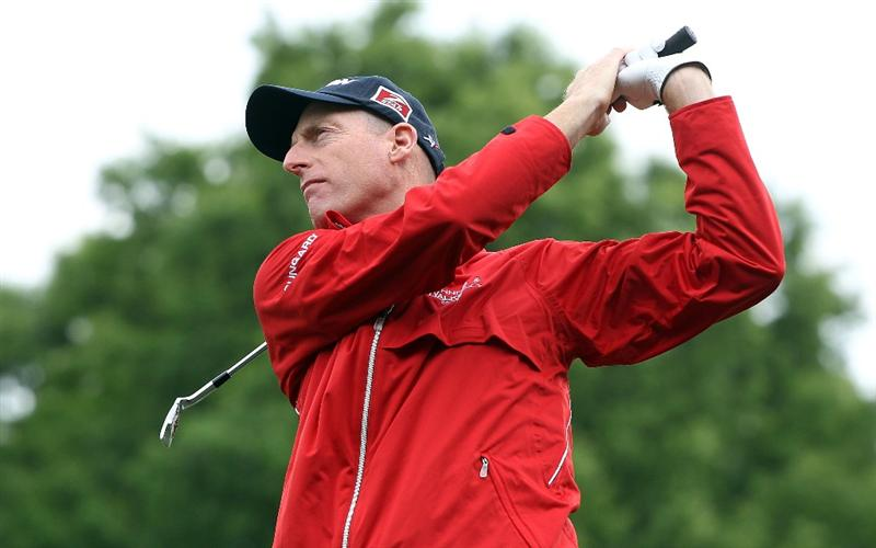 CHARLOTTE, NC - APRIL 27:  Jim Furyk watches a shot on the practice ground during a practice round prior to the start of the 2010 Quail Hollow Championship at the Quail Hollow Club on April 27, 2010 in Charlotte, North Carolina.  (Photo by Scott Halleran/Getty Images)