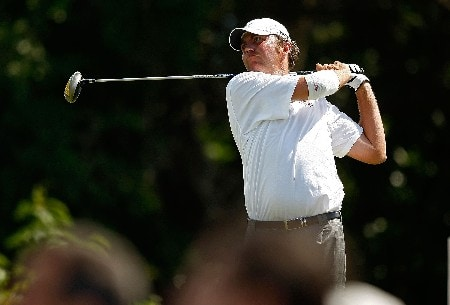 RIO GRANDE, PUERTO RICO - MARCH 22:  Bo Van Pelt hits his tee shot on the 15th hole during the third round of the Puerto Rico Open presented by Banco Popular held on March 22, 2008 at Coco Beach Golf & Country Club in Rio Grande, Puerto Rico.  (Photo by Mike Ehrmann/Getty Images)