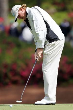 AUGUSTA, GA - APRIL 05:  Ernie Els of South Africa hits a putt during a practice round prior to the 2011 Masters Tournament at Augusta National Golf Club on April 5, 2011 in Augusta, Georgia.  (Photo by Jamie Squire/Getty Images)