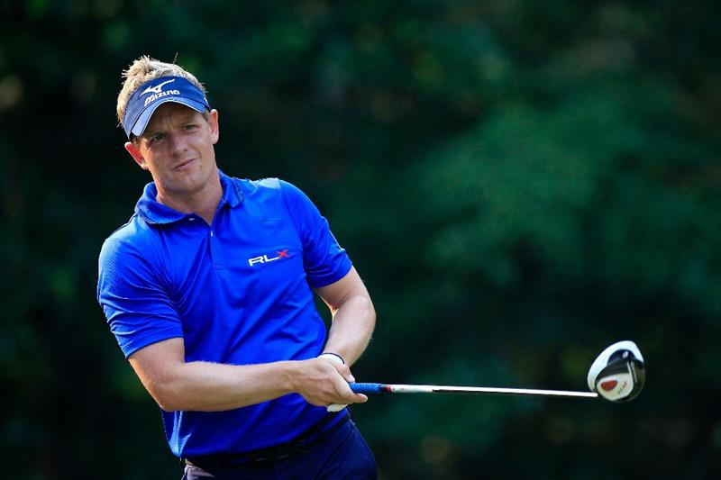 PONTE VEDRA BEACH, FL - MAY 11:  Luke Donald of England hits a tee shot during a practice round prior to the start of THE PLAYERS Championship held at THE PLAYERS Stadium course at TPC Sawgrass on May 11, 2011 in Ponte Vedra Beach, Florida.  (Photo by Sam Greenwood/Getty Images)