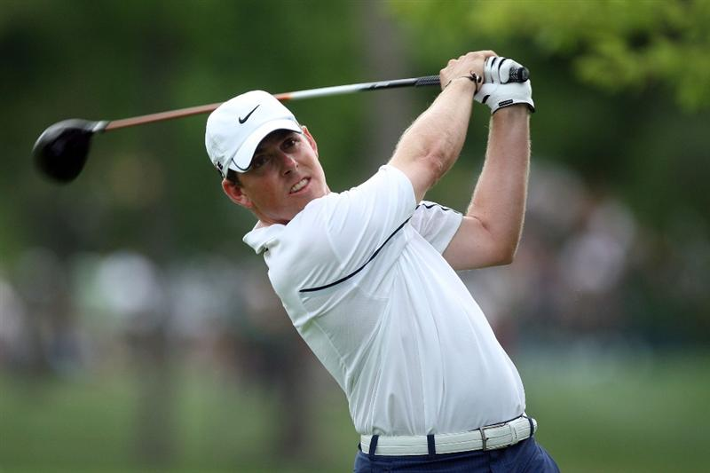 CHASKA, MN - AUGUST 13:  Justin Leonard hits his tee shot on the fifth hole during the first round of the 91st PGA Championship at Hazeltine National Golf Club on August 13, 2009 in Chaska, Minnesota.  (Photo by David Cannon/Getty Images)