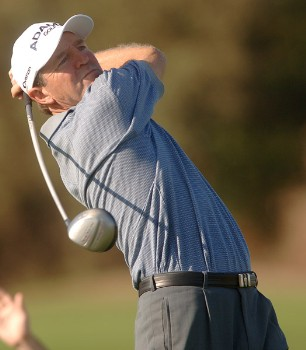 Des Smyth hits from the 16th tee during the third round of the Champions Tour 2005 Charles Schwab Cup Championship at Sonoma Golf Club in Sonoma, California October 29, 2005.Photo by Steve Grayson/WireImage.com