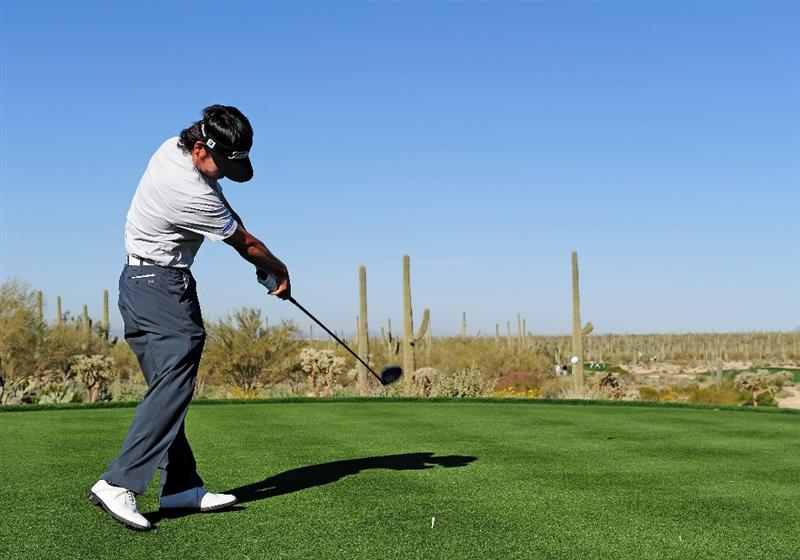 MARANA, AZ - FEBRUARY 17:  Kevin Na plays his tee shot on the fifth hole during round one of the Accenture Match Play Championship at the Ritz-Carlton Golf Club on February 17, 2010 in Marana, Arizona.  (Photo by Stuart Franklin/Getty Images)