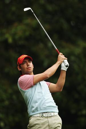 VIRGINIA WATER, ENGLAND - MAY 20:  Pablo Larrazabal of Spain plays his tee shot on the 2nd hole during the first round of the BMW PGA Championship on the West Course at Wentworth on May 20, 2010 in Virginia Water, England.  (Photo by Ian Walton/Getty Images)