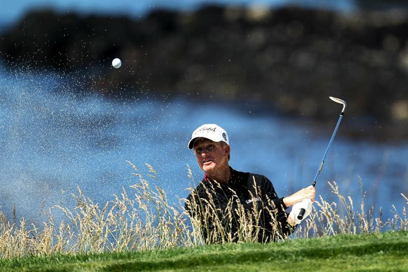 PEBBLE BEACH, CA - JUNE 17:  David Toms plays a bunker shot on the eighth hole during the first round of the 110th U.S. Open at Pebble Beach Golf Links on June 17, 2010 in Pebble Beach, California.  (Photo by Ross Kinnaird/Getty Images)