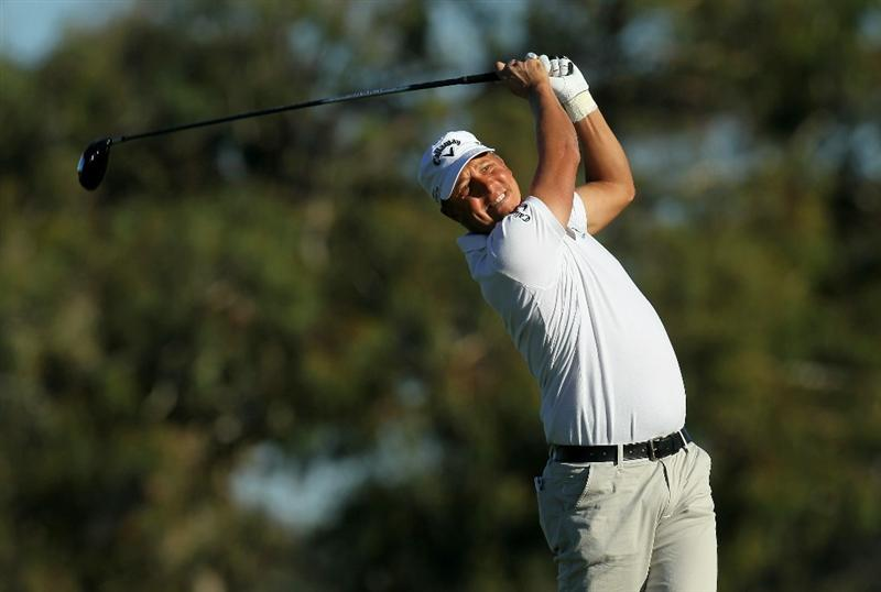 LA JOLLA, CA - JANUARY 28:  Fredrik Jacobson of Sweden hits his tee shot on the second hole during round two of the Farmers Insurance Open at Torrey Pines South Course on January 28, 2011 in La Jolla, California.  (Photo by Stephen Dunn/Getty Images)