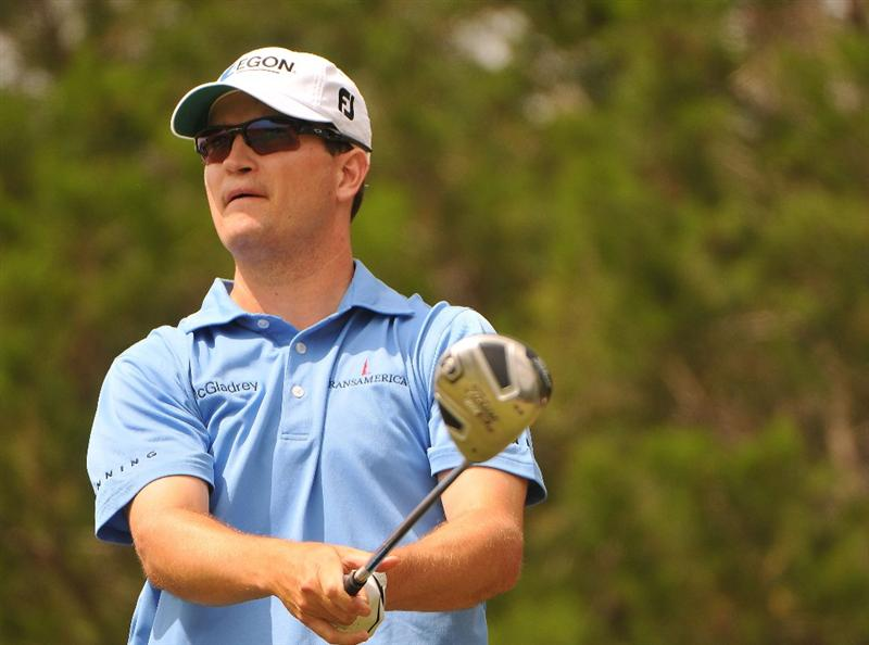 SAN ANTONIO TX - MAY 17: Zach Johnson tees off the 18th hole during the fourth and final  round of  the Valero Texas Open held at La Cantera Golf Club on May 17, 2009 in San Antonio, Texas.  (Photo by Marc Feldman/Getty Images)