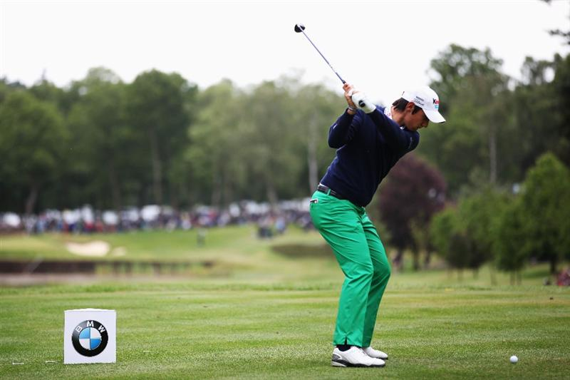 VIRGINIA WATER, ENGLAND - MAY 29:  Matteo Manassero of Italy tee's off at the 8th during the final round of the BMW PGA Championship  at the Wentworth Club on May 29, 2011 in Virginia Water, England.  (Photo by Richard Heathcote/Getty Images)