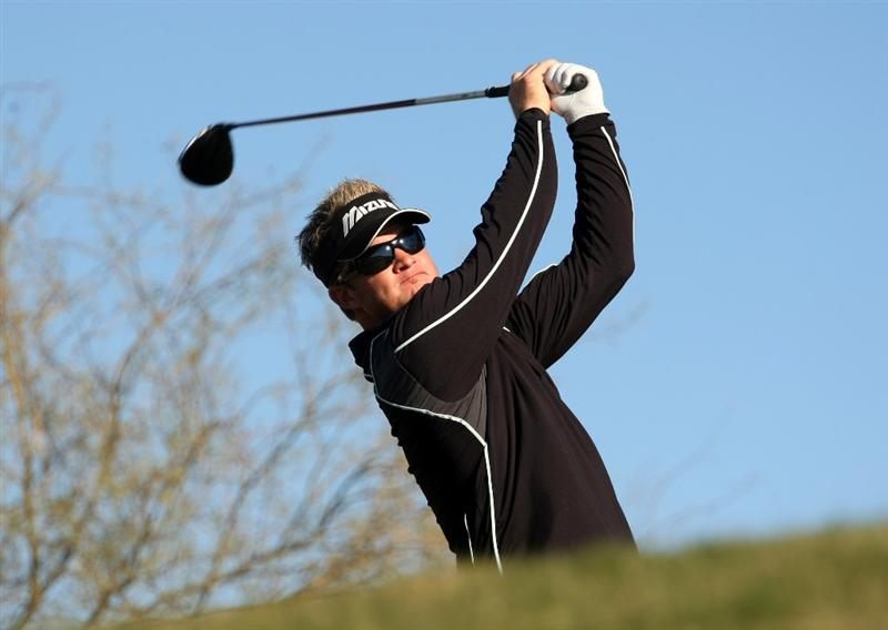 SCOTTSDALE, AZ - JANUARY 30: Brian Gay hits his tee shot on the sixth hole during the second round of the FBR Open on January 30, 2009 at TPC Scottsdale in Scottsdale, Arizona.  (Photo by Stephen Dunn/Getty Images)