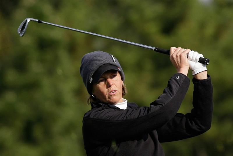 INCHEON, SOUTH KOREA - OCTOBER 31:  Wendy Ward of United States hits a tee shot on the 3rd hole during the 2010 LPGA Hana Bank Championship at Sky 72 Golf Club on October 31, 2010 in Incheon, South Korea.  (Photo by Chung Sung-Jun/Getty Images)