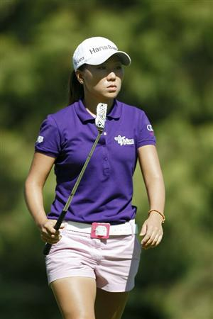 GUADALAJARA, MEXICO - NOVEMBER 13:  In-Kyung Kim of South Korea reacts to her missed birdie putt on the fourth green during the third round of the Lorena Ochoa Invitational Presented by Banamex and Corona Light at Guadalajara Country Club on November 13, 2010 in Guadalajara, Mexico.  (Photo by Michael Cohen/Getty Images)