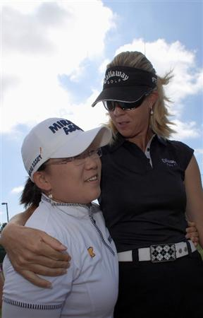 LA JOLLA, CA - SEPTEMBER 14:  LPGA players Jiyai Shin of South Korea with Jill McGill during Fortune Magazine Clinic at the LPGA Samsung World Championship on September 14, 2009 at Torrey Pines Golf Course in La Jolla, California.  (Photo By Donald Miralle/Getty Images for the LPGA)
