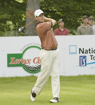 Jeff Quinney tees off on the 18th hole during the third round of the Nationwide Tour Xerox Classic in Rochester, New York,  Augu. 20, 2005.Photo by Kevin Rivoli/WireImage.com