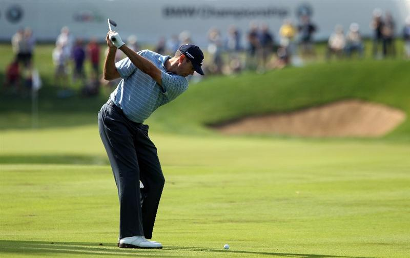 LEMONT, IL - SEPTEMBER 09:  Matt Kuchar hits his approach shot on the 18th hole during the first round of the BMW Championship at Cog Hill Golf & Country Club on September 9, 2010 in Lemont, Illinois.  (Photo by Scott Halleran/Getty Images)