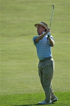 BLOOMFIELD HILLS, MI - AUGUST 07: Briny Baird plays his third shot to the eighth hole during round one of the 90th PGA Championship at Oakland Hills Country Club on August 7, 2008 in Bloomfield Township, Michigan.  (Photo by David Cannon/Getty Images)