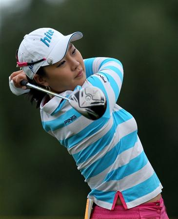 RANCHO MIRAGE, CA - APRIL 1:  Hee Kyung Seo of South Korea hits her tee shot on the 12th hole during the first round of the Kraft Nabisco Championship at Mission Hills Country Club on April 1, 2010 in Rancho Mirage, California.  (Photo by Stephen Dunn/Getty Images)