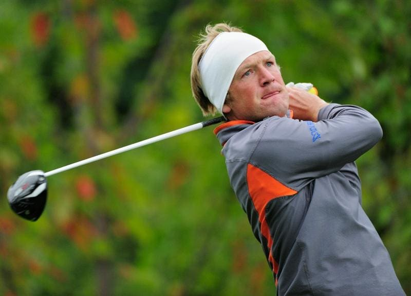 VIENNA, AUSTRIA - SEPTEMBER 17:  Pelle Edberg of Sweden plays his tee shot on the 18th hole during the second round of the Austrian golf open presented by Botarin at the Diamond country club on September 17, 2010 in Atzenbrugg near Vienna, Austria  (Photo by Stuart Franklin/Getty Images)