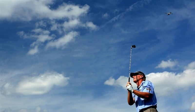 ORLANDO, FL - MARCH 27:  Steve Stricker of the USA hits his tee shot on the 14th hole during the third round of Arnold Palmer Invitational presented by MasterCard at the Bayhill Lodge and Club on March 27, 2010 in Orlando, Florida.  (Photo by David Cannon/Getty Images)
