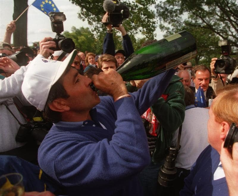 24 SEP 1995:  SEVE BALLESTEROS OF SPAIN CELEBRATES EUROPE's WIN THE 1995 RYDER CUP AT OAK HILL COUNTRY CLUB IN ROCHESTER, NEW YORK. Mandatory Credit: Simon Bruty/ALLSPORT