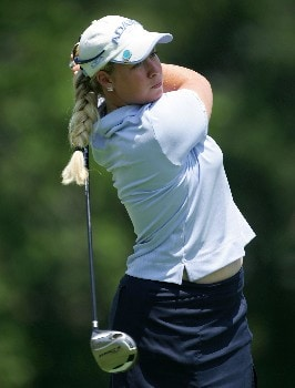 HAVRE DE GRACE, MD - JUNE 07: Brittany Lincicome hits her tee shot on the par 4 18th hole during the first round of the McDonalds LPGA Championship at Bulle Rock golf course on June 7, 2007 in Havre de Grace, Maryland.  (Photo by Andy Lyons/Getty Images)