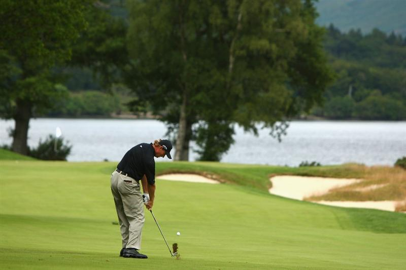 LUSS, SCOTLAND - JULY 09:  Ernie Els of South Africa hits his approach to the the 7th green during the First Round of The Barclays Scottish Open at Loch Lomond Golf Club on July 09, 2009 in Luss, Scotland.  (Photo by Richard Heathcote/Getty Images)